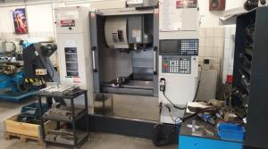 Akira Seiki SV 760 CNC megmunkálóközpont